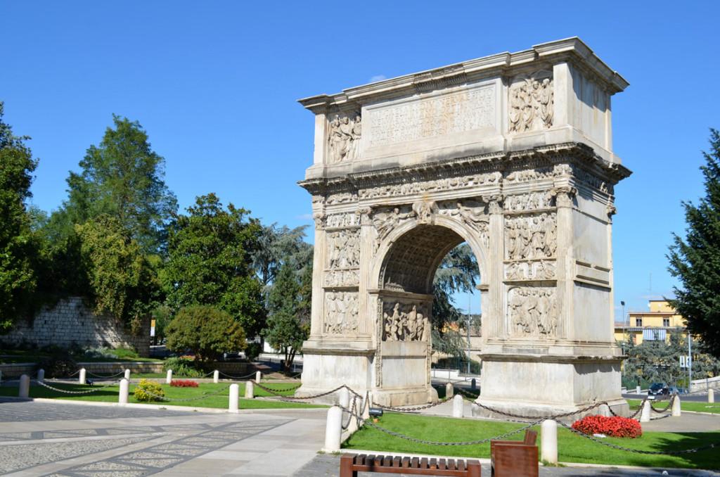 Arco di Traiano - Benevento